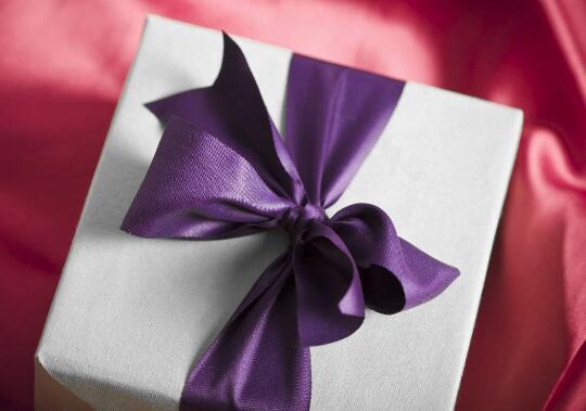 如何包装礼物?包装礼物盒的方法步骤