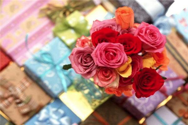 女友生日送鲜花,送什么花合适