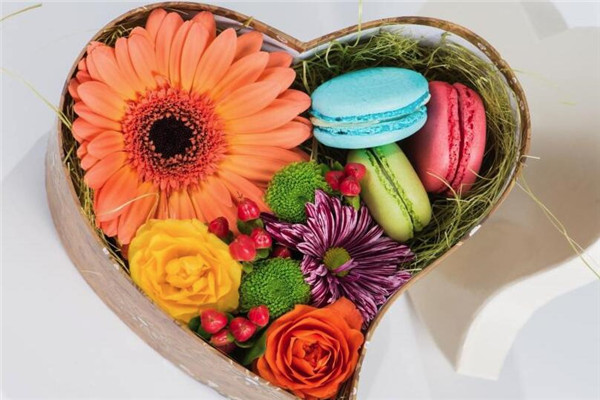 情人节送礼,给女朋友浪漫的礼物