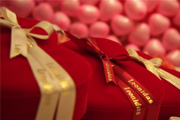 中秋送礼品,中秋节送什么礼物好