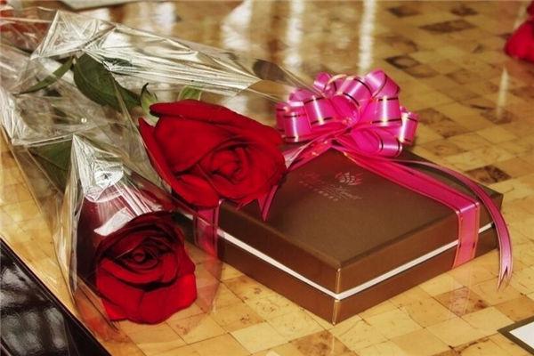乔迁之喜送什么花,搬迁新居送什么礼物