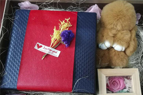 女生生日送什么礼物?女生最想收到的礼物排行