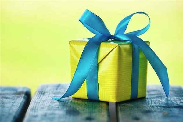50岁的男人送什么生日礼物?中年人礼物推荐