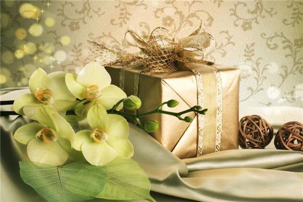 朋友搬家送什么礼物好,迁新居送什么礼物