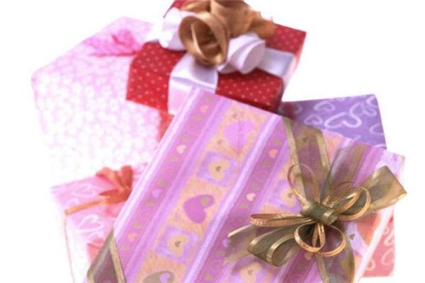 闺密结婚送什么礼物好?6款最实用结婚礼物推荐