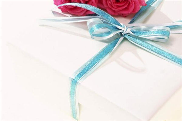 送女生生日礼物,女生渴望收到的礼物