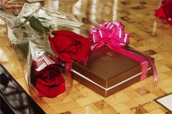 同学结婚应该送什么礼物好