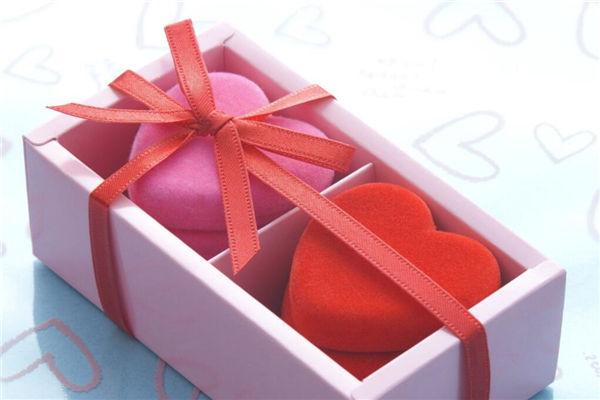 女朋友过生日送什么礼物